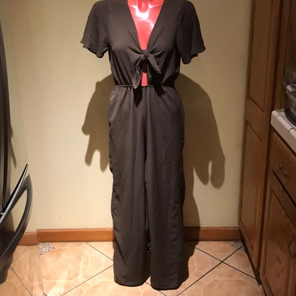 dabfd3f30ed NWT Forever 21 jumpsuit